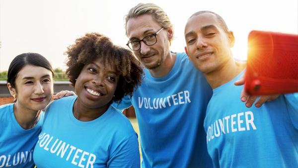 Volunteering people